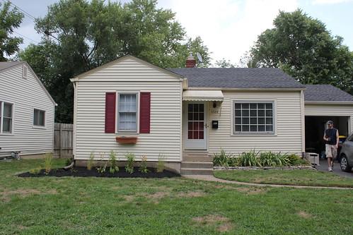 20110821. new front yard perennial garden.