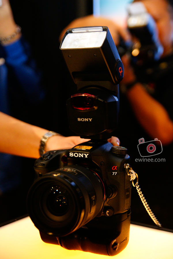 SONY-A77-LAUNCH-MID-VALLEY-GARDENS-BALL-ROOM-camera