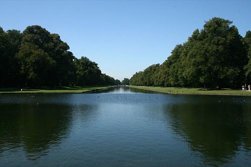 Blick entlang des Kanals - Schlosspark Nymphenburg