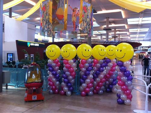 Ballonpilaar Breed Rond Smiley Zuidplein Rotterdam