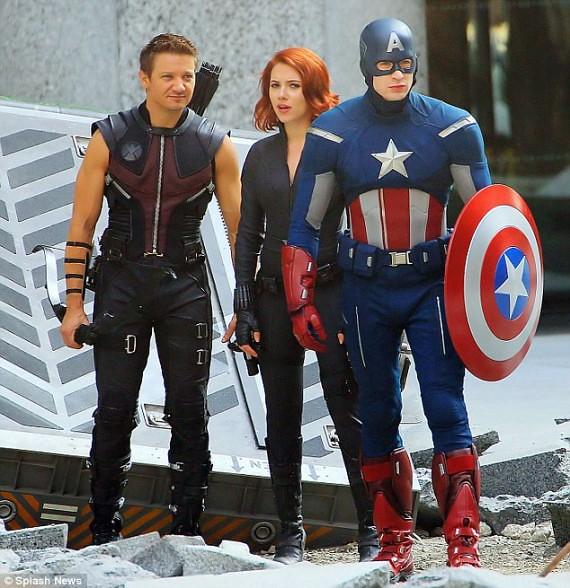 SHIELD-Costumes-Quinjet-Captain-America-570x588
