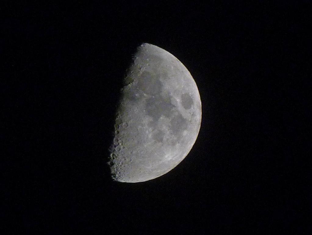 05-09-2011-moon