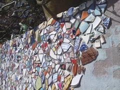 Detail (de Muur van Geluk) Tags: denbosch shertogenbosch muur scherven geluk demuurvangeluk mozaiek