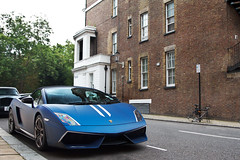In With The New. (Alex Penfold) Tags: auto camera blue london cars alex sports car sport mobile canon dark photography eos spider photo cool flickr image awesome flash picture super spot knightsbridge spyder exotic photograph lp spotted hyper lamborghini supercar spotting matte numberplate exotica gallardo sportscar sportscars supercars roadster lambo penfold spotter superleggera 2011 covertible 570 hypercar 60d hypercars performante lp570 alexpenfold