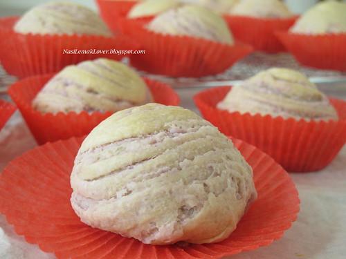 Flaky Swirl Yam Mooncake