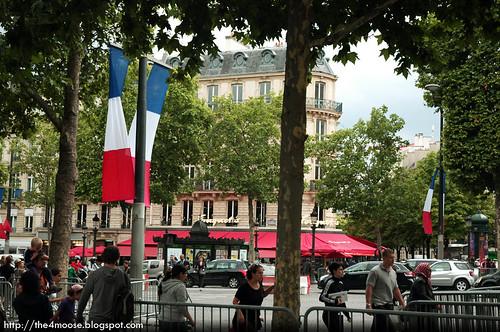 Paris - Avenue des Champs Elysees