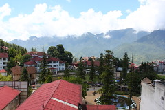 balcony view (Little Raven) Tags: mountains hotel asia southeastasia view vietnam northern sapa việtnam hoanglienson tonkinesealps fansipanview