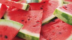 [フリー画像] 物・モノ, 食べ物, 果物・フルーツ, 西瓜・スイカ, 201109011300