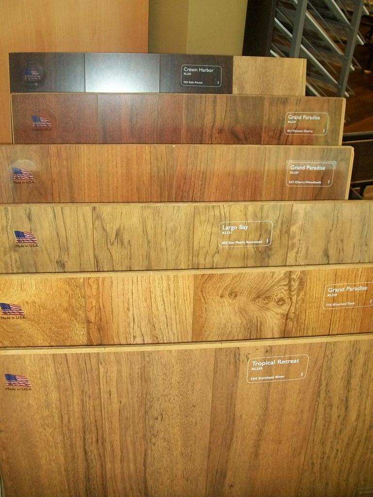 Shaw Laminate Flooring - Sample 2