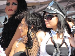 Street Parade 2011 - Zurich - ladies on JIL mobile