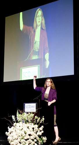 Laurie Halse Anderson, 'Daring the Universe' at SCBWI LA 2011 (photo by Rita Crayon Huang)