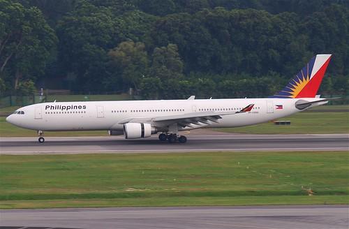 Philippine Airlines Airbus A330-300; RP-C3330@SIN;07.08.2011/617dz