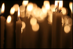 Duomo's Candles (merxifuuu) Tags: candles cathedral dom milano catedral duomo velas miln mailand ciris ef18