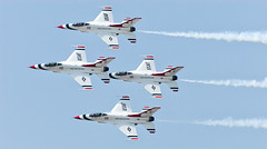 USAF Thunderbirds (Tom Bricker) Tags: team aircraft jets demonstration planes jetengine thunderbirds airforce usaf tombricker thomasbricker