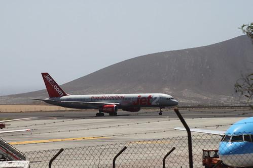 Jet2 757 G-LSAJ @ Tenerife Sur Airport