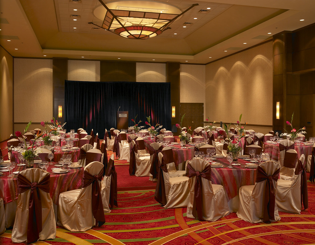 Marriott Coralville, IA Wedding Receptions
