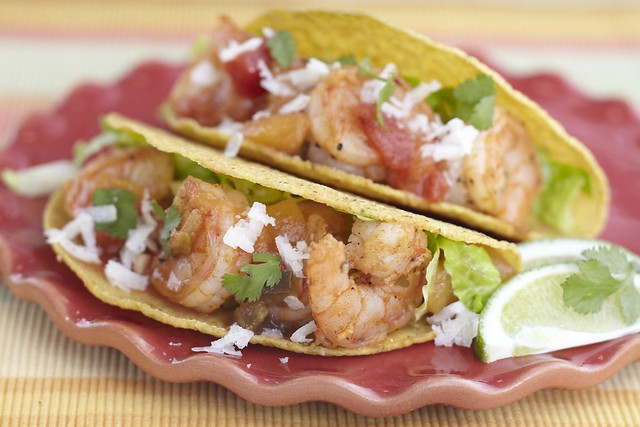Shrimp_tacos_with_Peach_Salsa