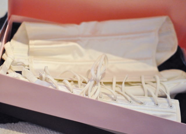 agent provocateur ivory corset laces in pink box