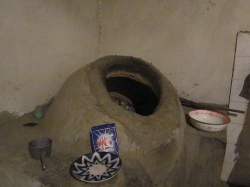 Uzbek bread oven