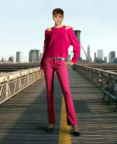Justin Bieber says he wears women's pants.