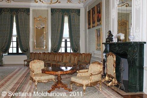Mir.Castle's.interiors.6