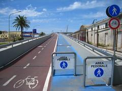 Il Ponte del Mare, Pescara (Kristel Van Loock) Tags: bridge italy europa europe italia ponte brug italie abruzzo italië pescara fietspad abruzzen fietsersbrug pontedelmare ilpontedelmare