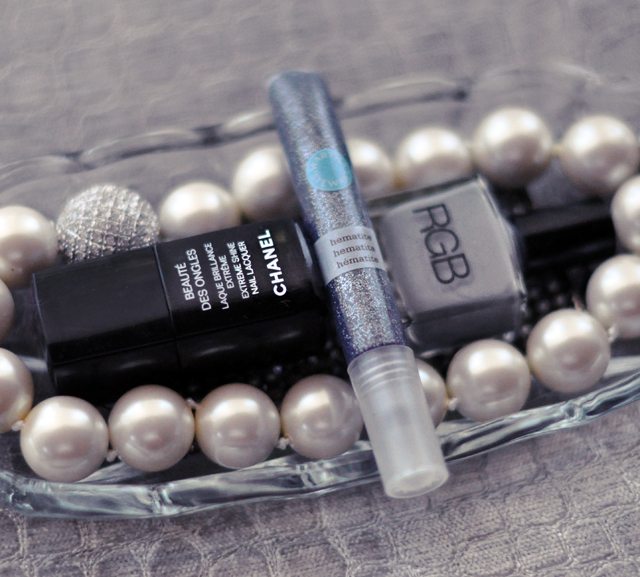 chanel top coat-rgb gray nail polish-martha stewart glitter glue nails