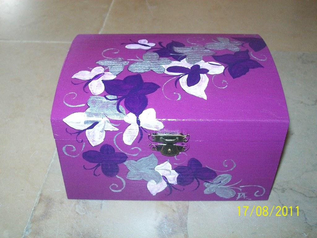 caixa com borboletas (Brincar com as mãos) Tags: de caixa com madeira  #8B3299 1024x768