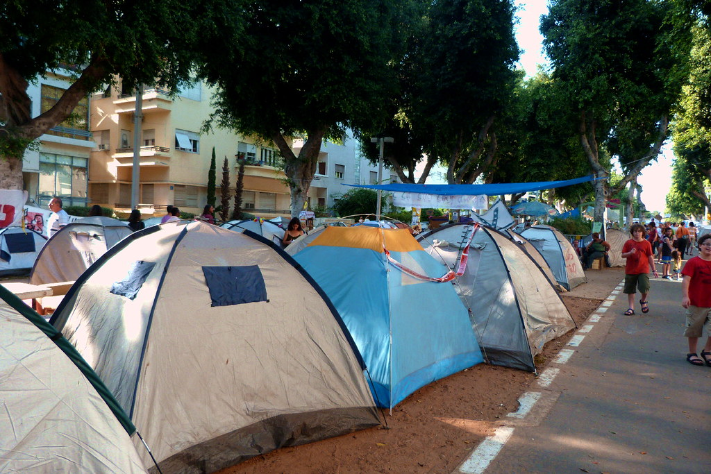 06-08-2011-justice-tents