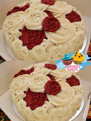 (Heavenly Sweets ) Tags: floral cake yummy pretty sweet cupcake sweets heavenly qatar