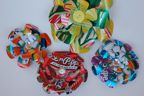 how to make flowers out of pop cans