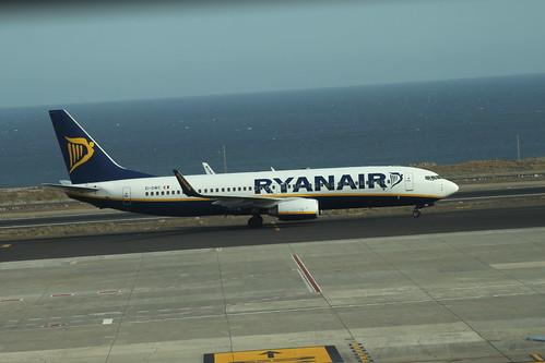 Ryanair 737-800 EI-DWC @ Tenerife Sur Airport