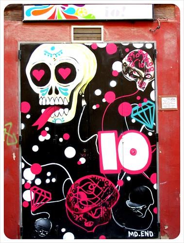 Valencia street art skull