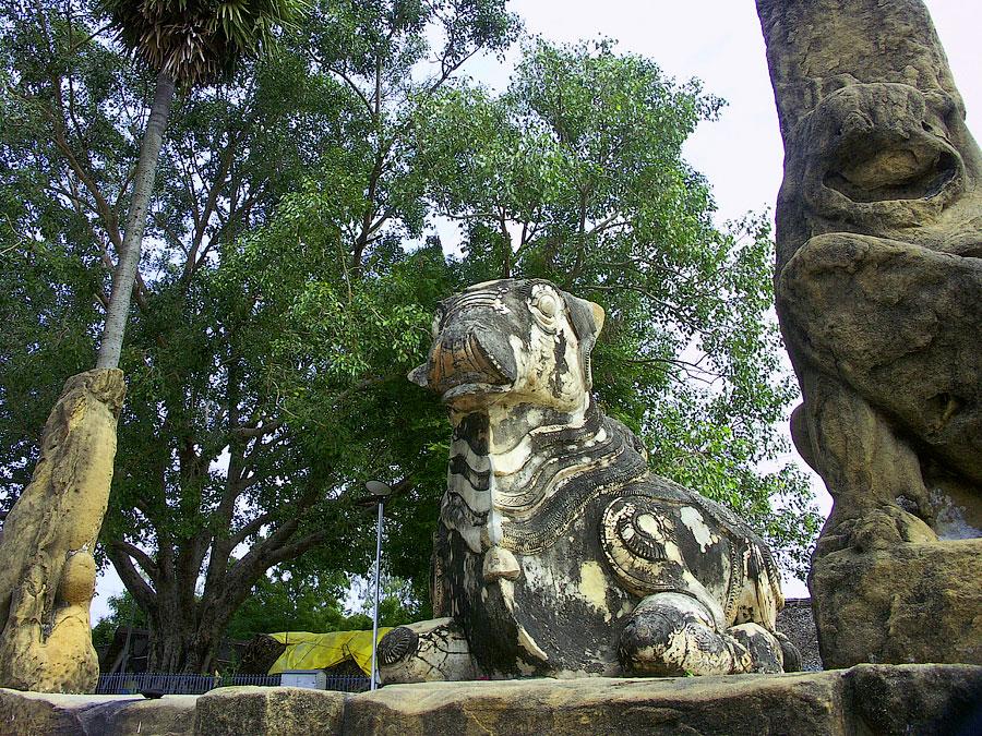 Бык Нанди в храме Кайласанатха. Канчипурам, Тамил Наду, Индия © Kartzon Dream - авторские путешествия, авторские туры в Индию, тревел видео, фототуры