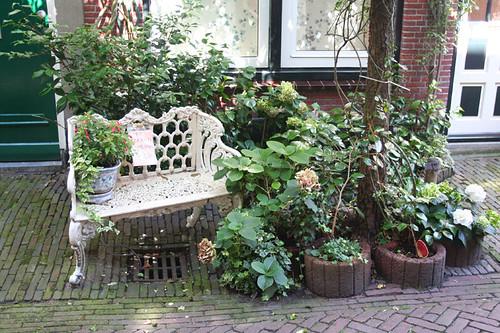 sitting area in residential alleyway