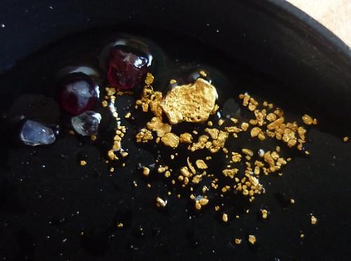 an dieser Stelle fand der Steiermärker Gold und Edelsteine, Granat und Saphir