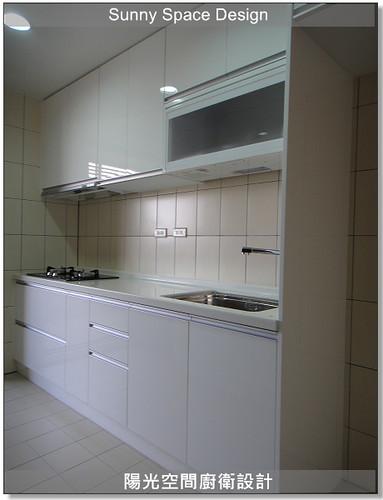廚房設計-中和連城路曹設計二字型廚具:冰箱落地立板-陽光空間廚衛設計
