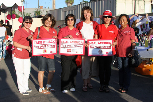 San Diego RNs with NNU Executive Director RoseAnnDeMoro center