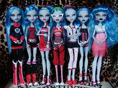 they're coming to get you barbara... (Laila X) Tags: beach monster dead high doll dolls classroom zombie fear fast tired gb gloom squad mattel dt sdcc 2011 dotd yelps ghoulia dawnofthedance