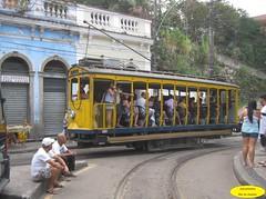 Bonde (Janos Graber) Tags: riodejaneiro gente trolley 03 transportation rua santateresa bonde trilhos passageiros passenges