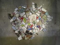 Detail bij avond (de Muur van Geluk) Tags: denbosch shertogenbosch muur scherven geluk demuurvangeluk mozaïek