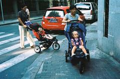20110907KodakPortra400-16 (Onni / Xijia Cao) Tags: china street summer urban film rollei germany singapore downtown shanghai kodak stroller immigrant babysister sonnar foreigner carlzeiss colornegative rollei35s sonnar40mmf28 kodakprotra400 gettychinaq2