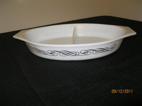 Black Scroll Divided Dish