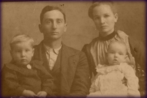 Daniel and Lowerta Leckrone with sons Ivan and Calvin