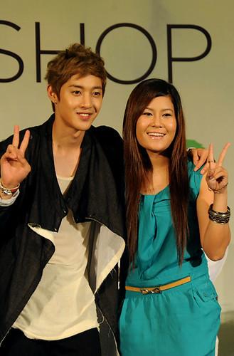 Kim Hyun Joong TFS Fansign at Queen Plaza [110812]