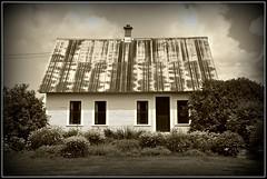 Old Farm House (sfPhotocraft) Tags: usa house farmhouse garden vermont newengland oldhouse tinroof waterbury 2011