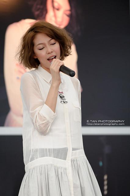 Olivia Ong - 004