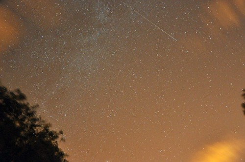 Milky Way, Clouds & 2 satellites passes