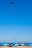 Kites (Li'l Bad Wolf) Tags: landscape nikon barca colore blu fotografia colori luce veneto aquilone lidodijesolo pedalò pattino d5000 nikon18105 nikond5000