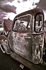 Wasting away (Jarrett Jones) Tags: food canon nc north lion carolina dslr concord 1022 2011 autofair t2i